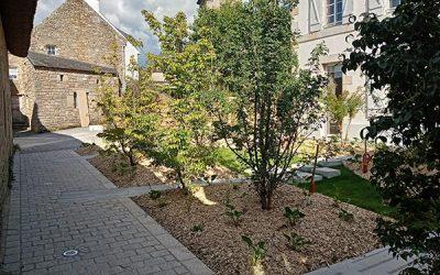 Patio de la Mairie de Ploemel