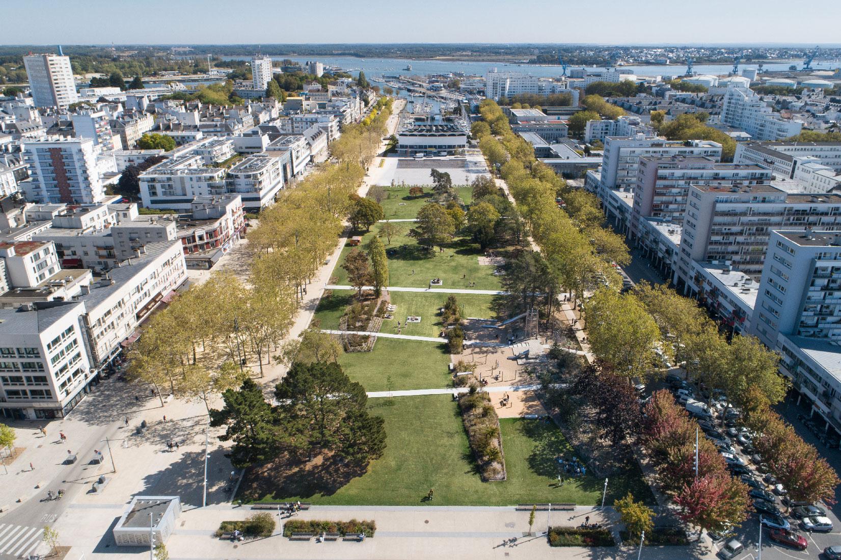 Miroir d'eau et Parc Jules ferry à Lorient